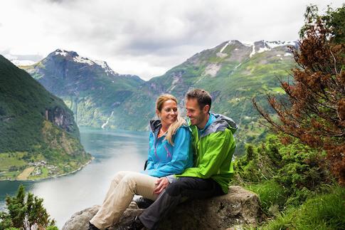 Paar in Fjordnorwegen Romantik