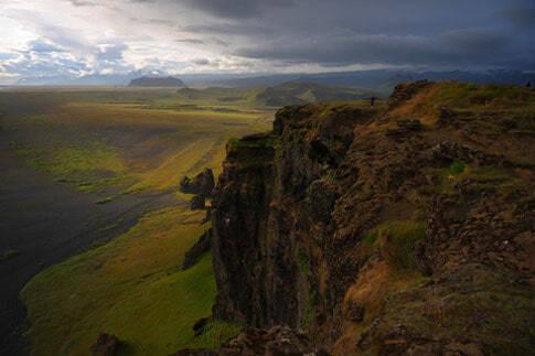 Ansicht des Myrdalsjokull Gletschers mit dem Katla Vulkan (rechts) und dem Eyjafjallajokull Gletscher.