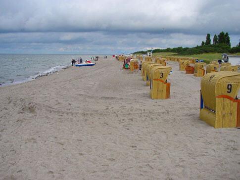 Strandkörbe an der Ostsee ...