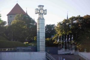 Das gläserne Kreuz in Tallinn